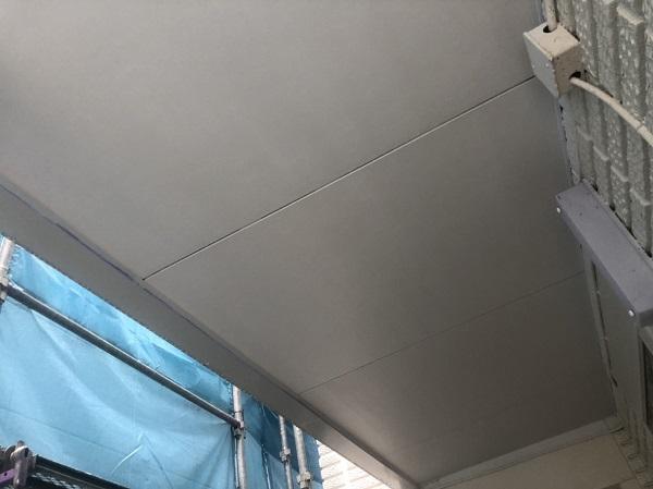 東京都町田市 外壁塗装 軒天塗装 軒が長い場合と短い場合 雨染み・カビによる黒ずみ (2)