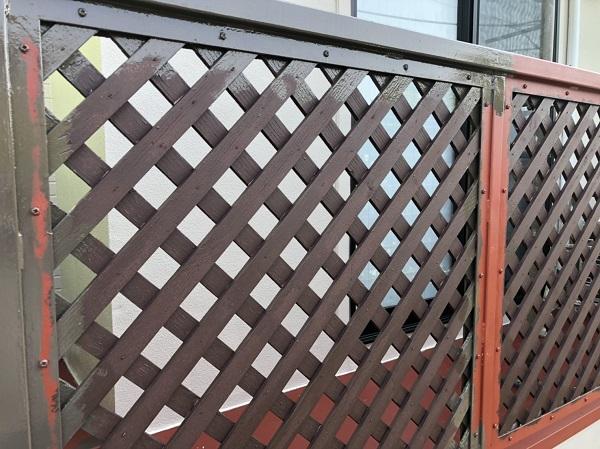 東京都町田市 外壁塗装 屋根塗装 付帯部塗装 ベランダの目隠しフェンス (2)