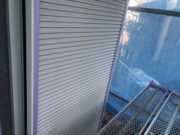 東京都町田市 付帯部塗装 雨戸 雨戸の役割、メンテナンス方法 塗装の工程 (1)