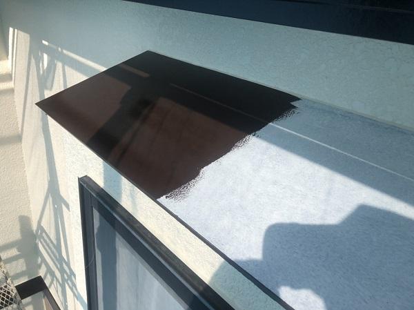 東京都町田市 霧除け庇塗装 庇の役割とは ケレンと防錆塗料下塗りが重要です!