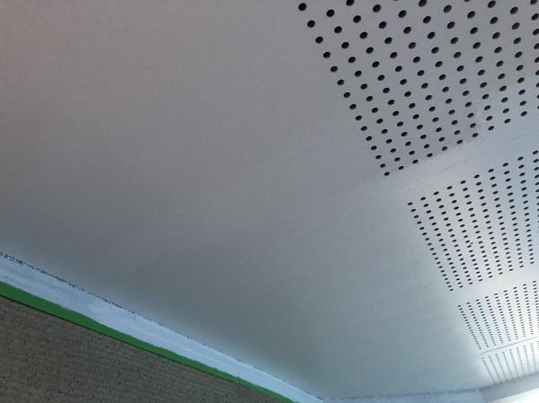 東京都町田市 軒天塗装 軒天とはどこか 塗装の際は明るい色がオススメです。 (2)