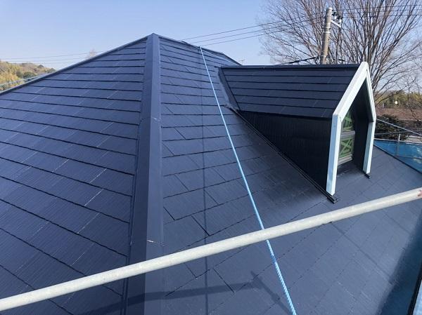 東京都町田市 屋根塗装 スレート屋根 下塗り、中塗り、上塗りの違い (2)
