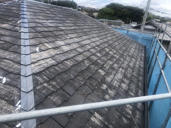 東京都町田市 屋根塗装 ひび割れ補修 赤い屋根にイメージチェンジ! (3)