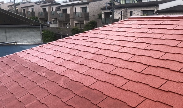 東京都町田市 屋根塗装 ひび割れ補修 赤い屋根にイメージチェンジ! (1)