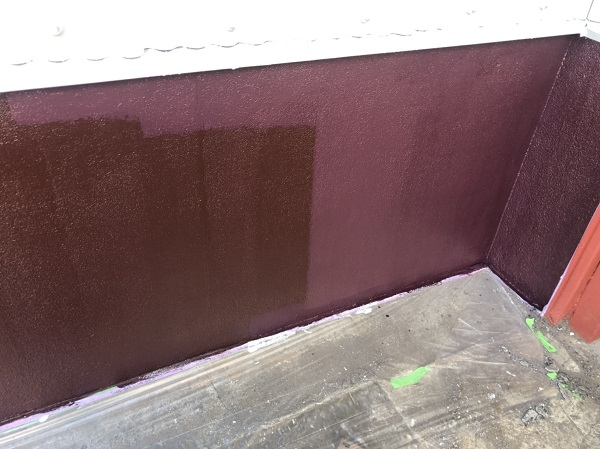 東京都町田市 外壁塗装 倉庫 トタン外壁 中塗り→上塗り (1)