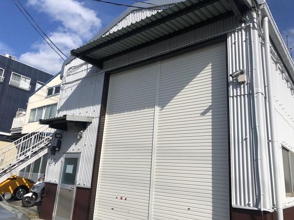 東京都町田市 外壁塗装 倉庫 トタン外壁 中塗り→上塗り (5)